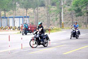 摩托车考试流程