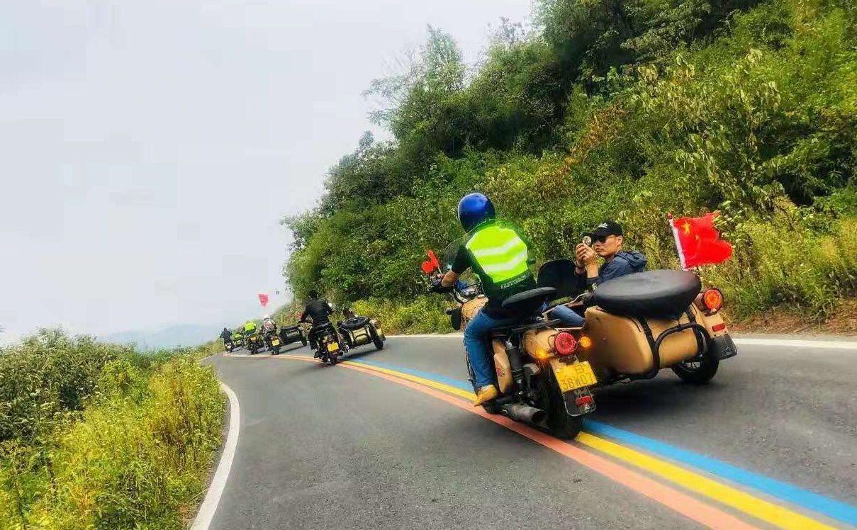 三轮车摩托车